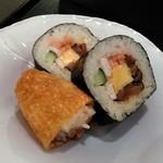 大志満 - [料理] 助六寿司 全景♪w