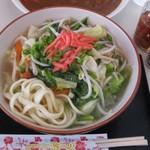 M - 料理写真:沖縄そば(野菜)500円
