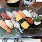 久慈浜 みなと寿し - 料理写真:握り寿司 得 1480円