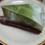 シャトレーゼ - 料理写真:宇治抹茶のミルクレープ