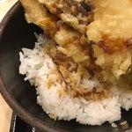 ゆで太郎 - タレがしみこんだご飯です