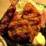 贔屓屋 - 海老フライ、白身魚のフライ、メンチカツ2ケ