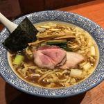 麺処ほん田 - 麺処 ほん田(東京都北区東十条)手揉み中華蕎麦 醤油 770円