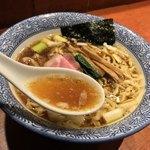 麺処ほん田 - 麺処 ほん田(東京都北区東十条)手揉み中華蕎麦 醤油