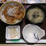 和食レストランとんでん - 北海道豚丼 四枚としじみ汁