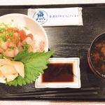牧原鮮魚店 - 山盛り海鮮丼