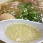 支那そば 一麺 - 透き通った黄金のスープ♪