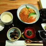 創作日本料理 伴菜 - うにイクラ丼