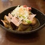 旬菜 すがや - 茄子と舞茸のオランダ煮 380円 炒めた茄子と舞茸を甘辛く煮付けた石川県の郷土料理。 なんだかクセになる〜〜