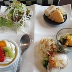 ユミズ ヤム ヤム - 前菜とデザート