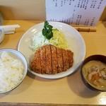 とんかつ燕楽 - ロースカツ定食