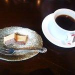 炭火焼居酒屋 つくぼ - 食後のコーヒーとミニケーキ☆