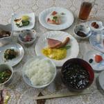 山崎旅館 - 料理写真:豪華な朝食
