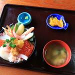 中村屋 - 大漁丼 ミニ