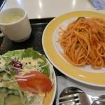 かつら - 料理写真:ナポリタン750円