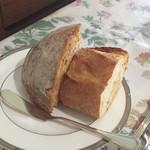 フランス食堂 シェ・モア - パン