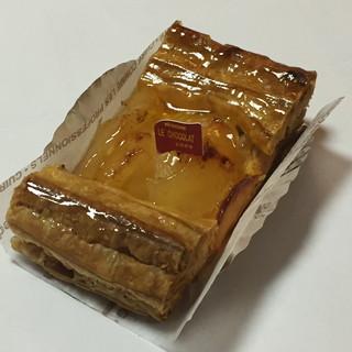 ル・ショコラ - 料理写真:アップルパイ(324円)