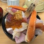 海鮮処 魚屋の台所 - おまかせ海鮮丼(上)3000円