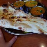 インド&パキスタン料理 シディーク - でっっっかいナン