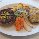 カフェ ネイロ - 料理写真:キッシュランチ