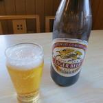 中華料理 香新 - 瓶ビール(キリンラガービール)