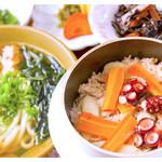 花水木 - 料理写真:名物たこ釜飯うどん