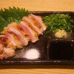 一調 - 料理写真:伊勢赤鶏もも肉のたたき