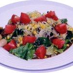 ピコピコ - オリーブオイルで炒めた野菜をカレーにトッピング!彩りあざやかなおしゃれでヘルシーなカレーライス。