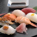 ぼろもち家 - 毎月3と4が付く日は、お寿司半額!