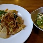 ベルノ - 料理写真:新たけのことチキンのパスタ(1100円)