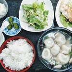 85400404 - 豚肉と椎茸の水餃子定食¥980