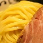 つじ田 - 麺のズーム