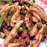 トラットリア ピッコラシチリア - ホタルイカとえんどう豆のパスタ…えんどう豆がこんなに旨いとは!