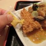 松乃家 - 辛子をつけて食すと美味い