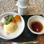 Cafe de la Paix - ドラゴン¥1080…ほうじ茶付き