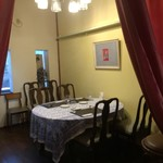 レストラン レヴェリエ - クラシカルな空間です