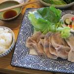 恋する豚研究所 - 恋する豚のロース肉塩コショー焼き定食1,280円