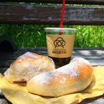 トコハベーカリー - AOI COFFEEさんのアイスコーヒーとピクニック♪