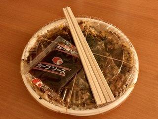 麗ちゃん - 豚肉卵そば(¥790) 半玉(-¥50) 持ち帰り容器(+¥50) 別添カープソース小袋