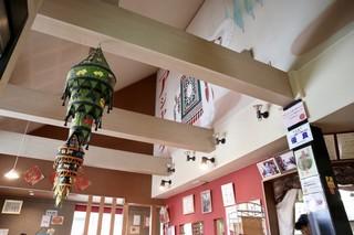 アジャンタ 総本家 - 開放感あるインドチックな空間