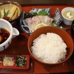 すし丸本店 - 活鯛めし膳(1550円)