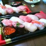 角上魚類 - 料理写真:にぎり寿司10貫