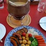 ロード・レーウ - 料理写真:チーズフォンデュ。(二人前)
