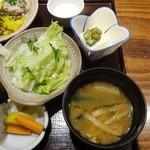 85419287 - ランチ:海鮮五色納豆定食