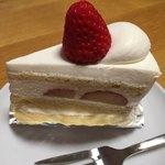 グルテンフリースイーツ ライラック - おススメ イチゴのショートケーキ クリームが絶品!