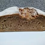 なまけもののパン屋 - ライ麦60%のパン
