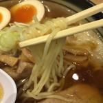 ワンタンメンの満月 - 麺リフト〜