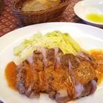85423085 - ガリシア栗豚ロース肉の鉄板焼き