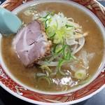 ラーメン冬冬 - 料理写真:しょうゆラーメン 730円