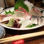 なわない - 刺盛(タコ・シマアジ・ヒラマサ・カンパチ・〆イワシ・水イカ)